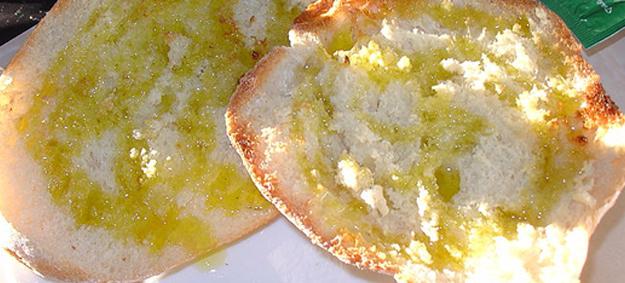 Blog ADNartesano - Propiedades del aceite de oliva virgen extra - Pan con aceite