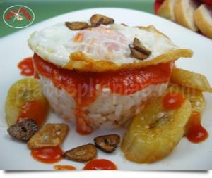 Blog ADNartesano - Recetas - Arroz a la cubana con chips de ajo